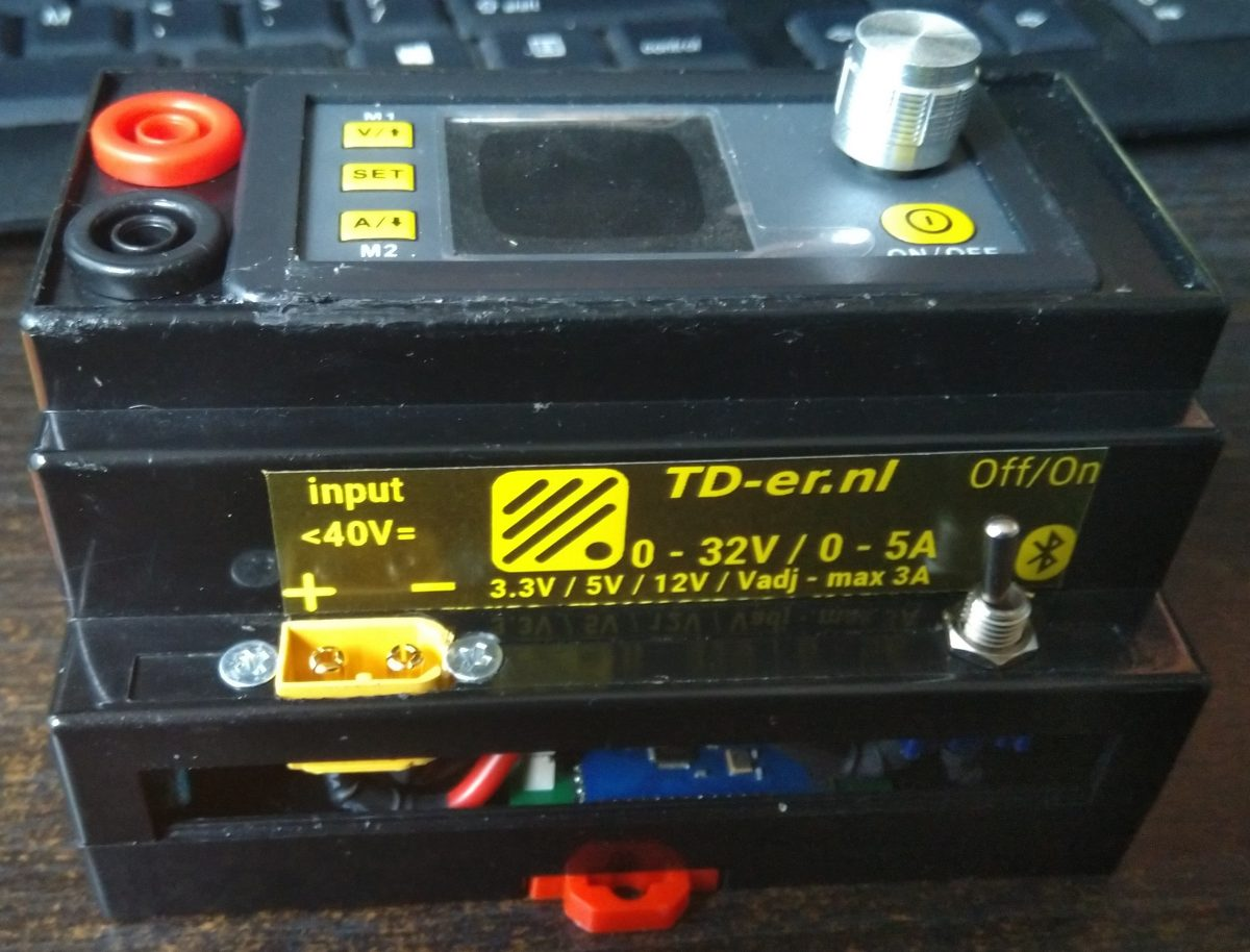 DIN Rail Programmable lab power supply